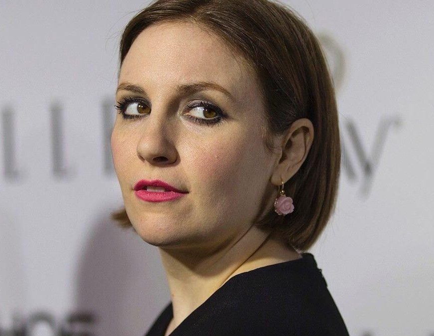 Lena Dunham celebrates 24-pound weight gain with side-by-side photos: I'm 'happy and free'