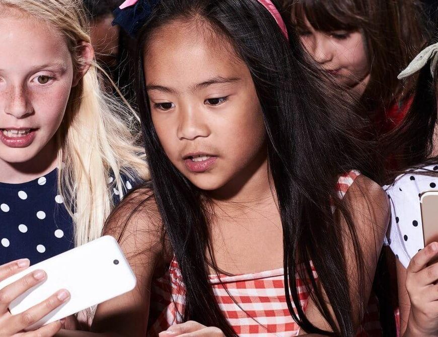 How to Raise Media-Savvy Kids in the Digital Age